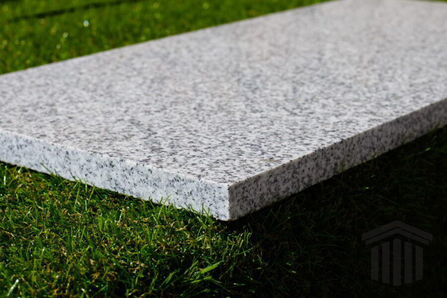 Granit Gri Oriental Fiamat piatra naturala mesta