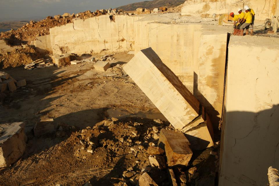 granit baie mesta marmura